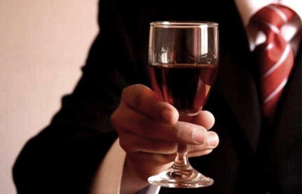 Как распознать алкоголика